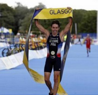 SPORT TRIATHLON : Le caporal-chef Pierre LE CORRE champion d'Europe du triathlon.