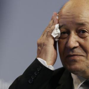 LIBRE OPINION : Défense : la France en guerre réduit encore le nombre de militaires