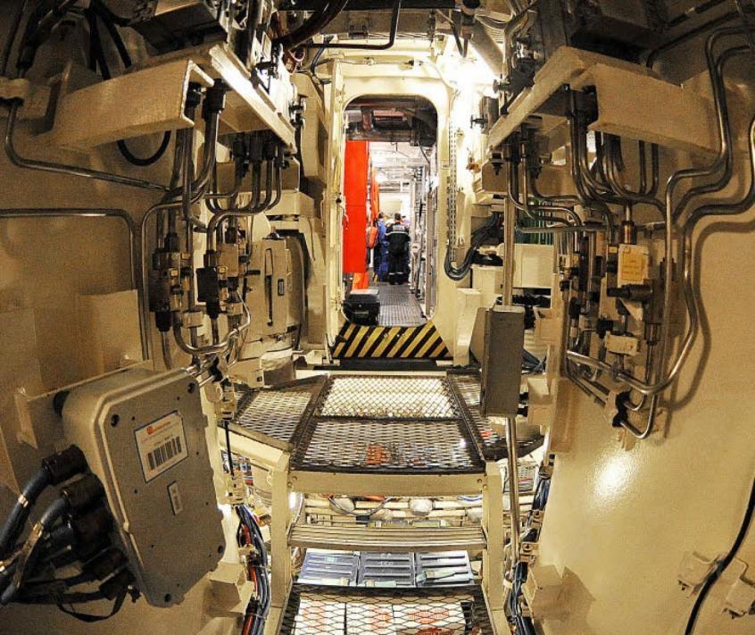 Marine nationale la vie sur snle 70 jours sans voir la for Interieur sous marin